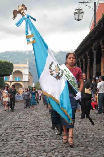 Desfile-15-de-septiembre-la-antigua-guatemala