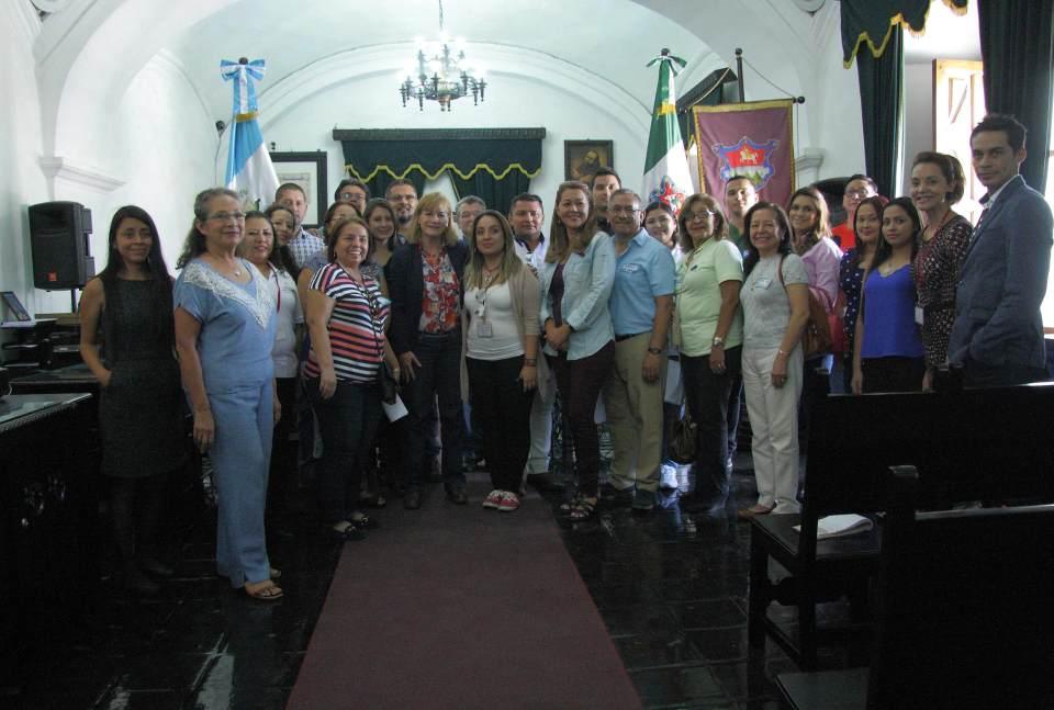 Empresarios-del-Turismo-de-El-Salvador-visitan-La-Antigua-Guatemala