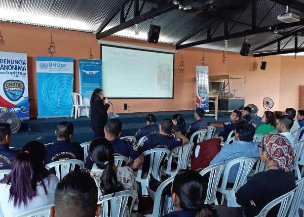 Crime Stoppers Guatemala brinda capacitación-sobre-la-Trata-de-Personas-y-Tráfico-Ilegal-de-Migrantes