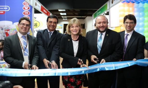 Pequeñas y medianas empresas de Centroamérica y del Caribe presentan su oferta en Manufexport 2018. Corte de cinta en inauguración Manufexport 2018