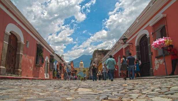 Con-motivo-de-la-XXVI-Cumbre-Iberoamericana-de-Jefes-de-Estado-y-de-Gobierno-en-La-Antigua-Guatemala,--la-Municipalidad-dio-a-conocer-parte-del-protocolo-de-seguridad.
