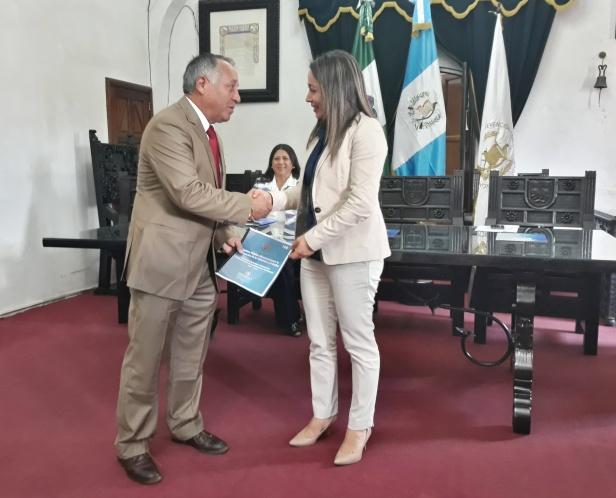 Municipalidad de La Antigua Guatemala recibe Política Pública Municipal para la Prevención de la Violencia y el Delito
