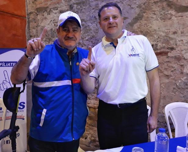 """vamos"" proclama a juan carlos luna aguilera como candidato a alcalde de antigua guatemala"