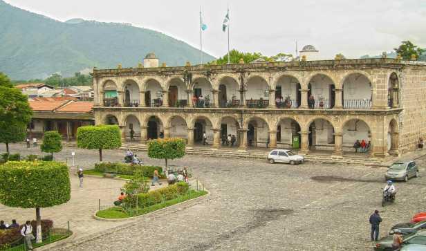 Estos-son-los-candidatos-a-la-alcaldía-de-La-Antigua-Guatemala.-Foto-Luis-Toribio