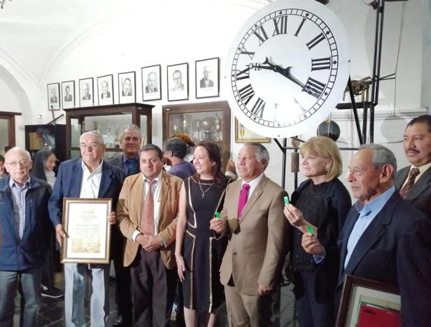 En un acto protocolario se realizó la entrega de la restauración del histórico reloj del Palacio del Ayuntamiento de Antigua Guatemala..jpg