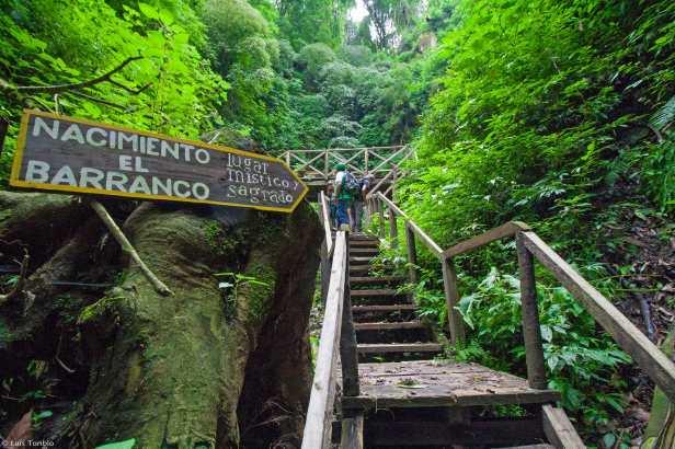 Nacimiento de agua El Barranco en San Cristóbal El Alto Antigua Guatemala.